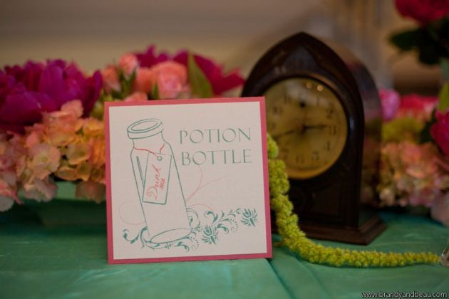 brandy-and-beau-photography-rosen-shingle-creek-fl-southern-college-dogwood-blossom-stationery-fun-table-number