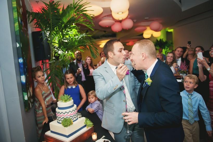 Lauren Watai Photography, Dogwood Blossom Stationery, Orlando weddings, cake cutting