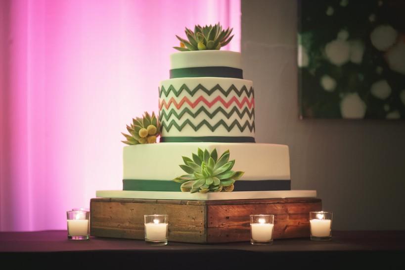 Lauren Watai Photography, Dogwood Blossom Stationery, Orlando weddings, cake