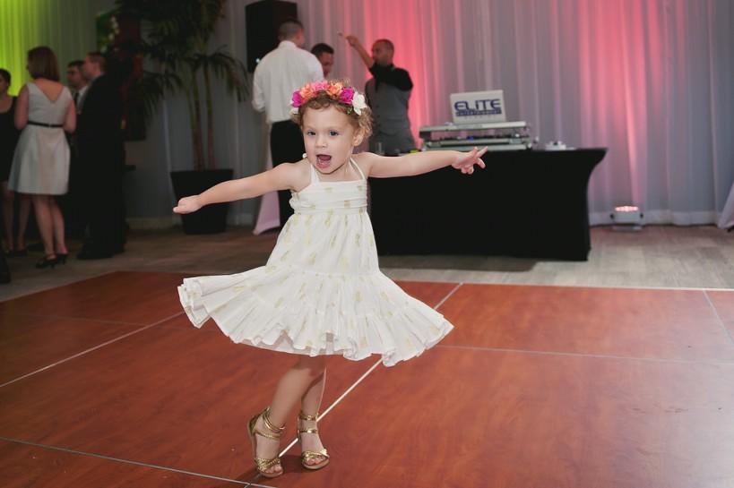 Lauren Watai Photography, Dogwood Blossom Stationery, Orlando weddings, dancing
