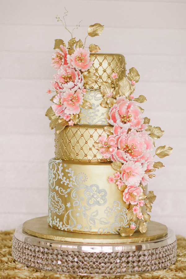 Kati Rosado Photography, Dogwood Blossom Stationery, Orlando Weddings, gold cake