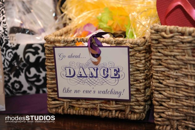 Rhodes Studios, Dogwood Blossom Stationery, Orlando weddings, flip flips