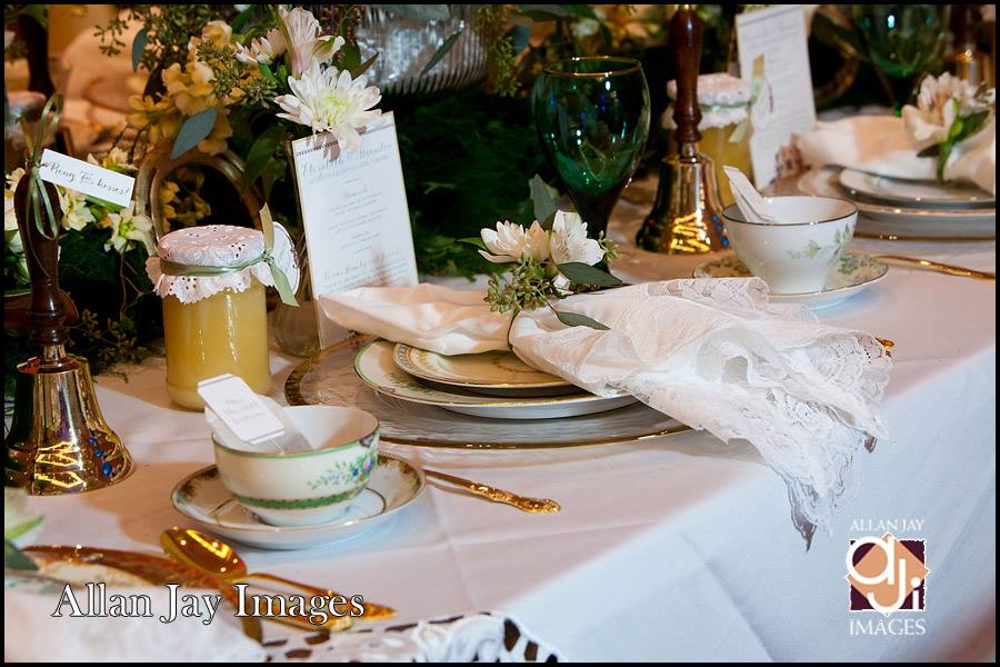 Allan Jay Images, Dogwood Blossom Stationery, Orlando weddings, table