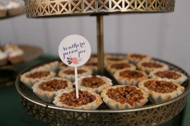 Bumby Photography, Dogwood Blossom Stationery, Orlando weddings, pie signs