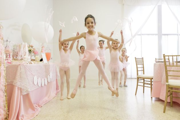 Ballerinas, Two Sweets Bake Shop, Bluegrass Chic, Ballerina Birthday Inspiration, Bumby Photography, Dogwood Blossom Stationery Event